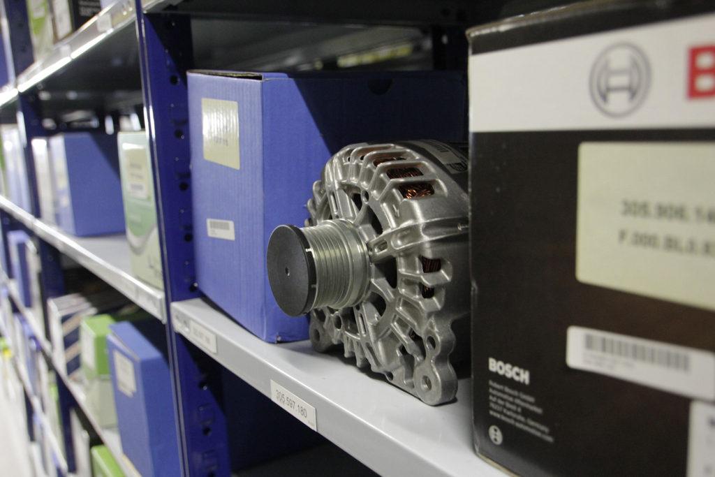 Dynamo op voorraad Roskamp Automaterialen
